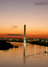 Australia - Melbourne (Victoria): Sunset on the Yarra River - Bolte Bridge (photo by Luca Dal Bo)
