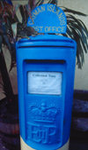 Cayman Islands - Gran Cayman - George Town - blue ER II postbox - Cayman Islands Post Office - photo by F.Rigaud