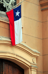 Santiago de Chile: Chilean flag at Iglesia Santa Ana - calle Catedral - photo by M.Torres