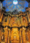 Quito, Ecuador: iglesia de La Compañía de Jesus - Jesuits' Church - the sumptuously gilded high altar is built around the statue of the Quiteña Saint Mariana de Jesús, and contains her remains - she is considered the protector of the capital - photo by M.Torres