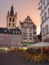 Germany / Deutschland - Trier: main square at sunset - Hauptmarkt im Zentrum - photo by P.Willis