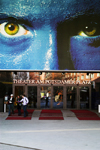 Germany - Berlin: Potsdamer Place Theater - blue men / Theater am Potsdamer Platz - photo by W.Schmidt