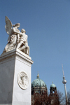 Germany / Deutschland - Berlin / Berlim / THF / TXL / SXF: statue at the castle bridge / Schlossbrücke - photo by M.Bergsma