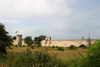 Gotland island - Visby: town walls from the fields - Visby stadsmur - Ville ligue hans�atique / stad muren - photo by C.Schmidt