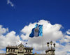 Ciudad de Guatemala / Guatemala city: flag, sky and National Palace of Culture - Centro Histórico - photo by M.Torres