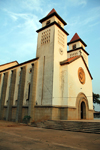 Guinea Bissau / Guiné Bissau - Bissau, Bissau Region: Old Portuguese Cathedral of Bissau / Catedral de Bissau, edifício do período colonial - photo by R.V.Lopes