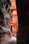 Jordan - Petra: walking to the Khazneh - end of the Siq - one of the New Seven Wonders of the World - photo by M.Torres