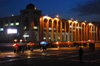 Bishkek, Kyrgyzstan: arcade and photographers - night on Ala-Too square, Chui avenue - photo by M.Torres