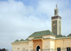 Nouakchott, Mauritania: Moroccan Mosque - minaret and green roofs - inspired in the Koutoubia in Marrakesh - Mosquée Marocaine - photo by M.Torres
