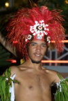 New Caledonia / Nouvelle Calédonie - Noumea: Kanaki entertainer in traditional head dress (photo by R.Eime)