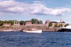Norway / Norge - Oslo: sailing on the Oslo fjord by the Akershus fortress (photo by Miguel Torres)