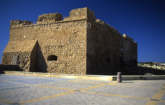 Cyprus / Zypern / Chypre - Paphos / Pafos - castle in the harbour - UNESCO world heritage town - photo by Tony Brown