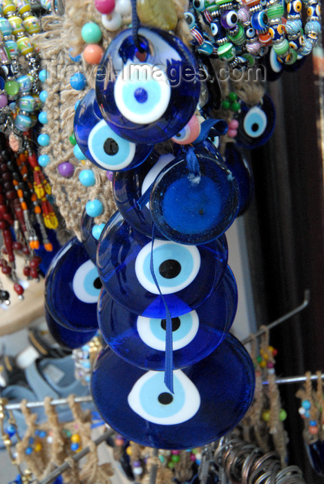 Turkey - Istanbul: evil eye amulet - nazar boncugu - Blue Eye - evil eye stone -  Auge der Fatima - photo by  M.Torres