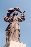 Romania - Iasi / IAS: independence monument on Vasile Conta st. - woman's statue - art - Monumentul independentei - photo by M.Torres