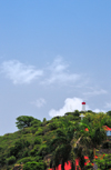 Gustavia, St. Barts / Saint-Barthélemy: cross and lighthouse - hill of the Swedish fort, Fort Gustave - Phare de Gustavia - photo by M.Torres