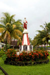 Samoa - Upolo - Apia: Christ statue and garden - photo by D.Smith