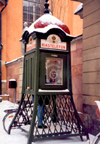 Sweden - Stockholm: public telephone (Rikstelefon - operated by Telia) - Gamla Stan (photo by M.Torres)