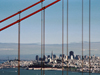 USA - San Francisco (California): bridge and skyline (photo by T.Marshall)